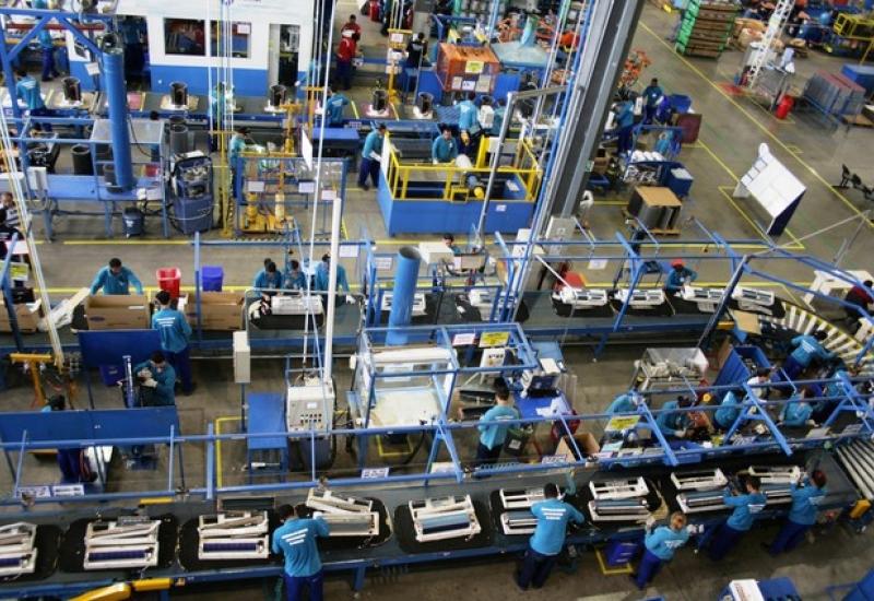 Pra Vida - Indústria e Comércio são responsáveis pela abertura de vagas formais de emprego em Curitibanos em Junho e Julho.
